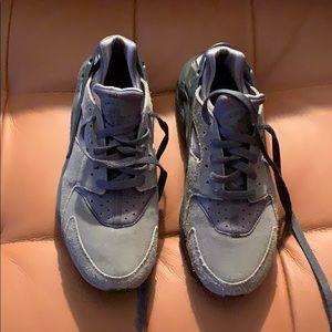 Grey suede hurraches